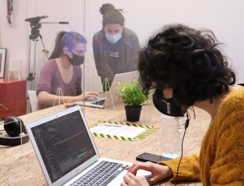 Mujeres en situación de vulnerabilidad serán futuras programadoras gracias al programa formativo: BCN FemTech